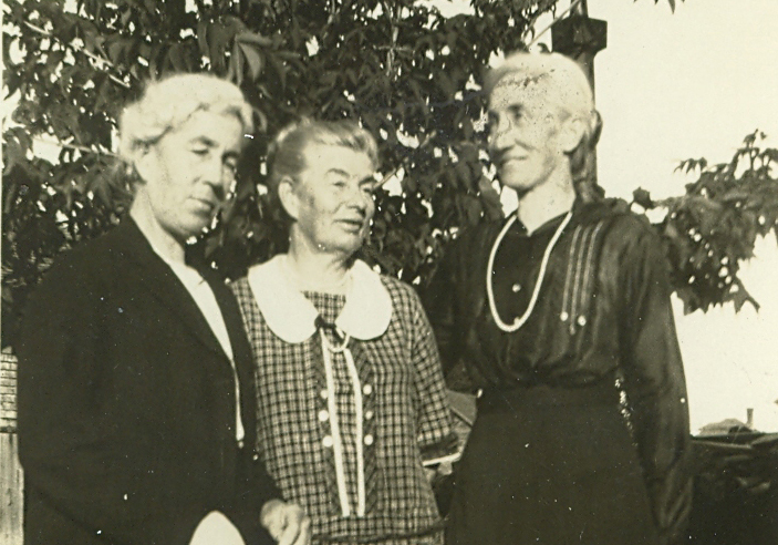 The Abbott Sisters